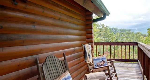 Unbridled Memories Cabin - View of Smokies