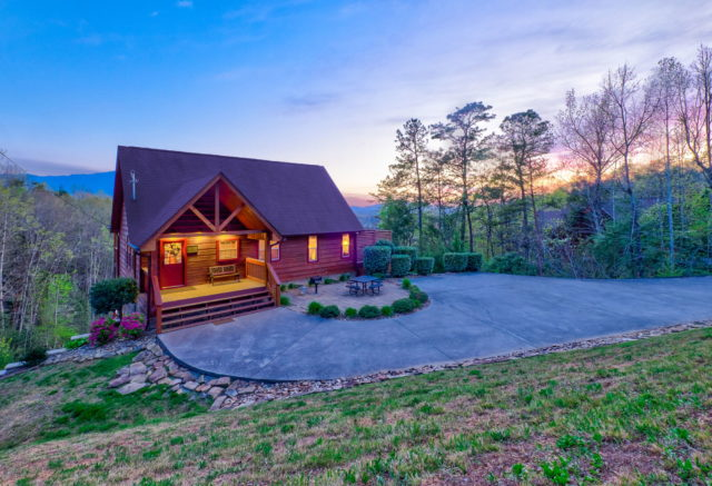 Cozy Mountain Cabins Cabins In Gatlinburg And Pigeon Forge Tn