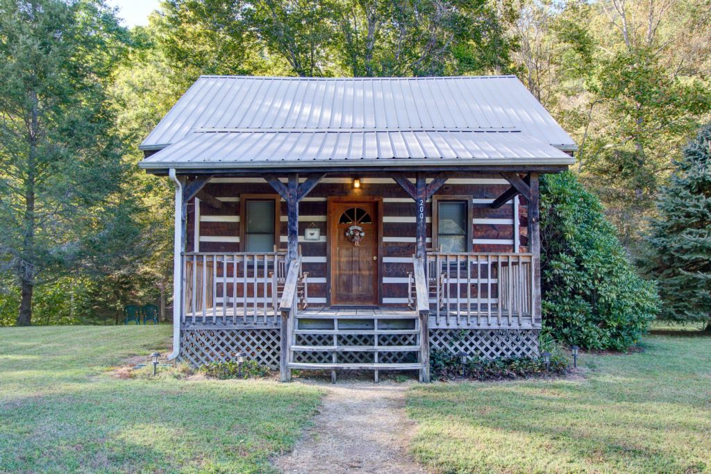 Hearts Bursting With Love Cosby Creek Cabin Cozy