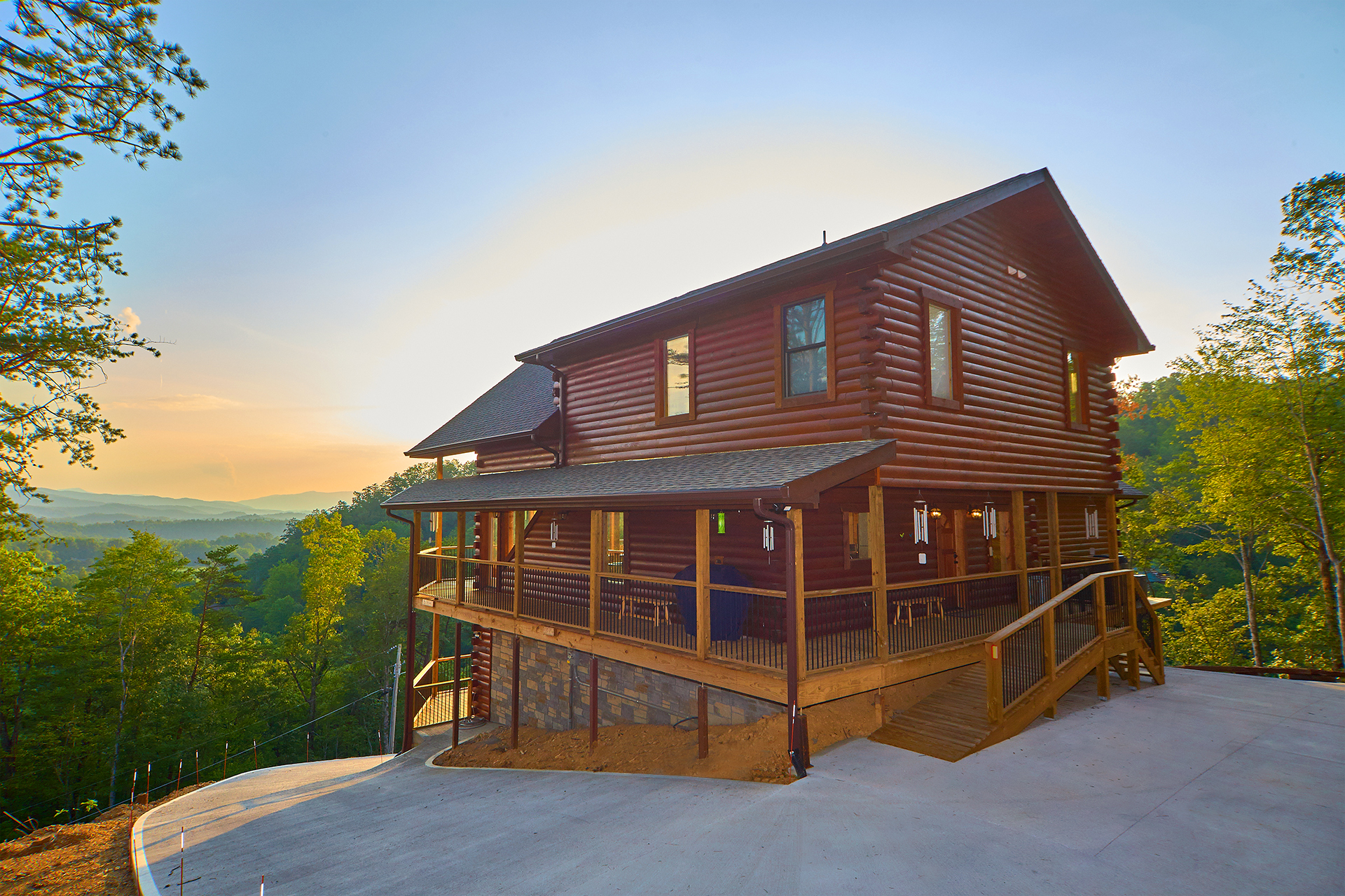 Astonishing Cozy Mountain Cabins Cabins In Gatlinburg And Pigeon Forge Tn Interior Design Ideas Tzicisoteloinfo